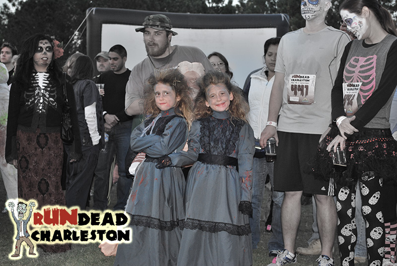 Creepy Girls at rUNdead